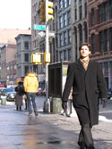 graphics/stills_from_the_movie/Promotional_Photos/steven_walking_nyc_thumb.jpg